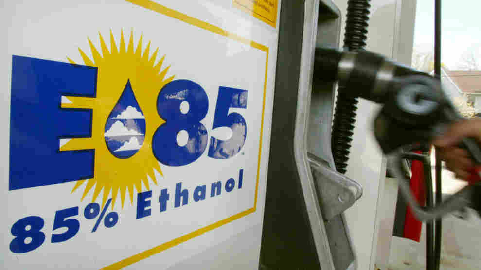e85gas_wide-a25f8446e6384a524e324bf798ae773efd0e62be-s1100-c15